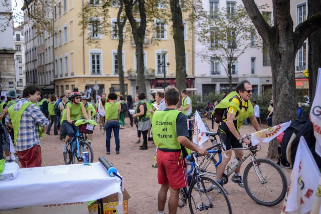 Arrivée des Cyclistes de l'axe sud. Crédits Annabelle Haudry (DR).
